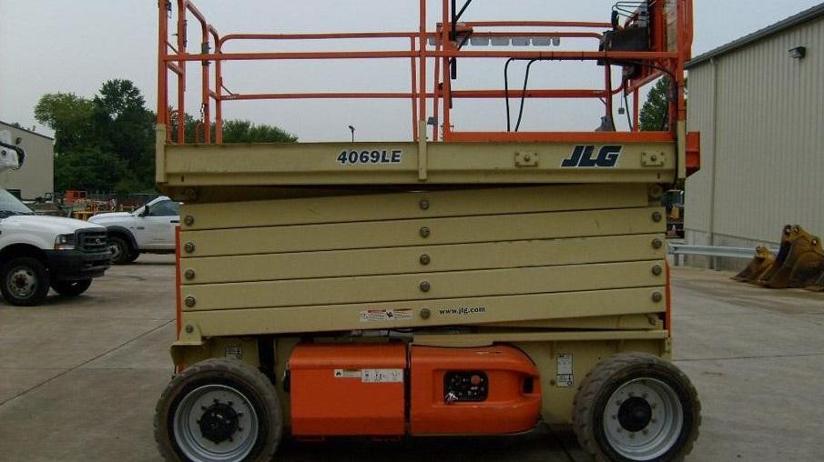 jlg-4069-le